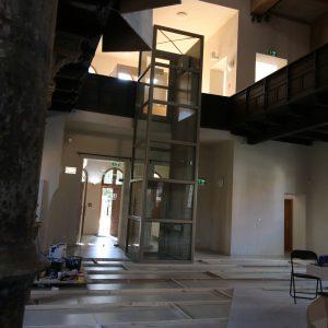 Zvislá schodisková plošina (domáci výťah) Z 200